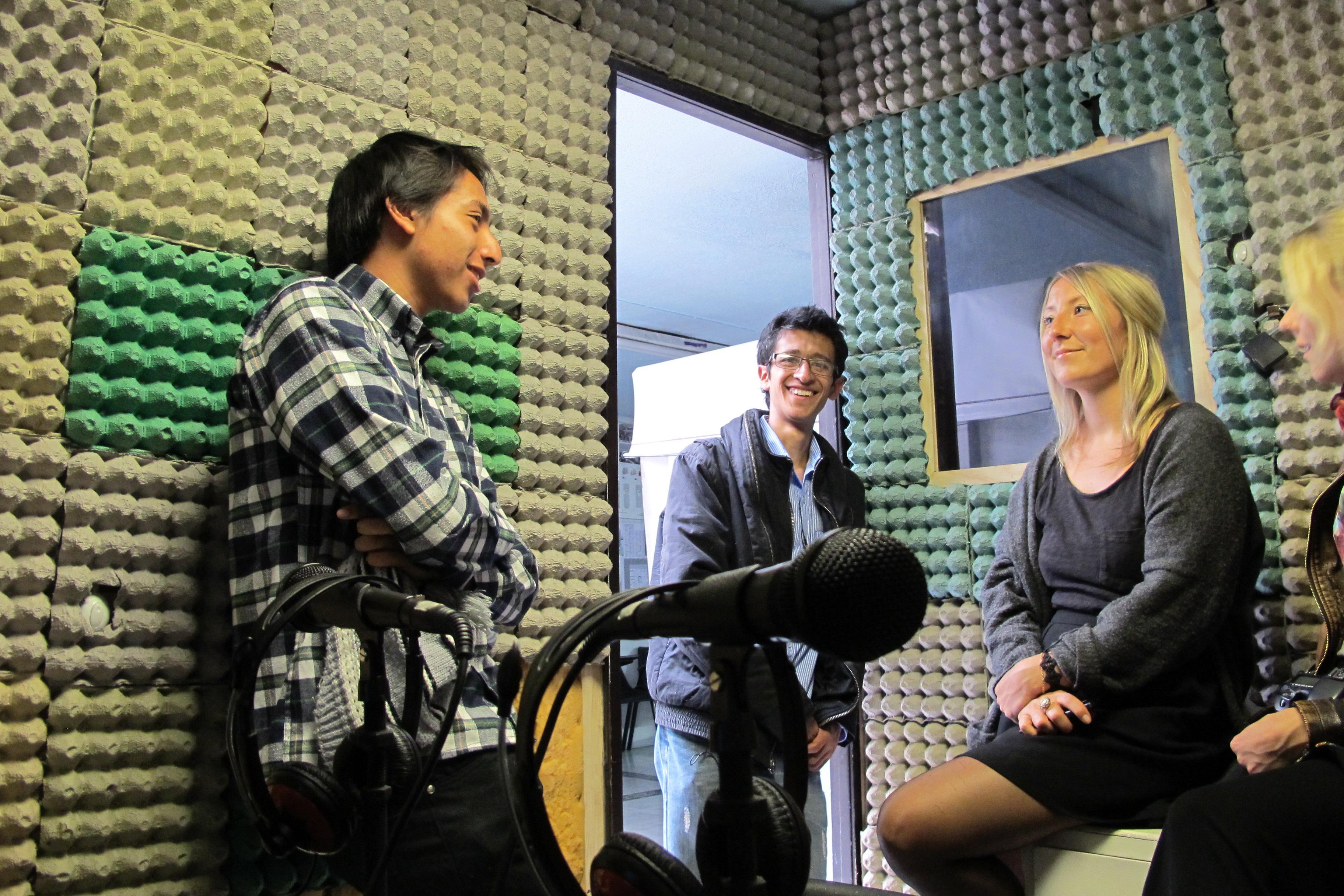 Teusaradio recibieron microfondos de PeaceWorks en 2015
